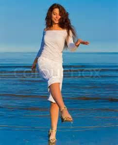 model dancing